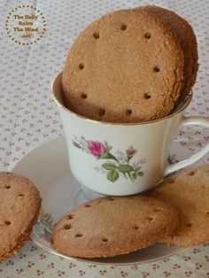 Digestive Biscuits are really just sophisticated graham crackers and are very simple to make. They are delicious with tea and fruit. English Biscuits, Baking Biscuits, British Biscuits, Bread Baking, Digestive Cookies, Digestive Biscuits, Baking Recipes, Cookie Recipes, Recipes