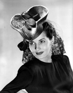 Brenda Marshall Golden Age Of Hollywood, Vintage Hollywood, Brenda Marshall, 1940's Fashion, Old Movies, Hollywood Actresses, My Photos, Stars, Sterne