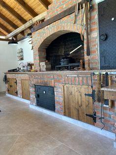 Outdoor Barbeque, Outdoor Kitchen Patio, Pizza Oven Outdoor, Outdoor Kitchen Design, Outdoor Fireplace Patio, Patio Gazebo, Backyard Patio, Vintage Restaurant Design, Smoke House Plans