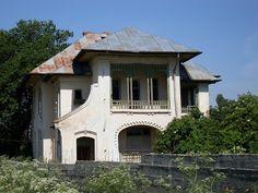 A R T: SOS Casa Manciulescu din satul Cioranca, jud. Buzau Desert Places, Interior Architecture, Interior Design, Romania, Gazebo, Exterior, Outdoor Structures, House Design, Traditional