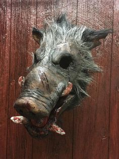 Razor mask picture 1 created by Pumpkin Pulp. Pumpkin Pulp buy and shop creepy scary horror halloween masks and props. Custom work also available. Located in Muncie, Indiana.