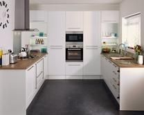 Burford White Kitchen Range | Kitchen Families | Howdens Joinery