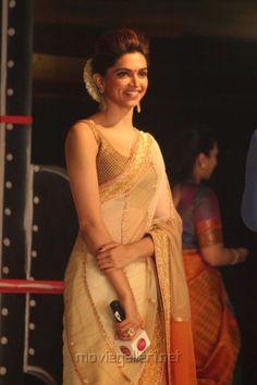 7 Bollywood Actresses Who Nail The Saree Look, Indian Lifestyle Blog,Bollywood Blog