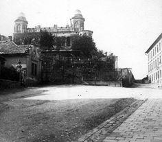 Mecset utca, szemben a Gül baba türbe köré épített Wagner-villa.