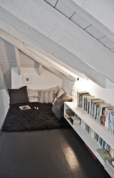 Small reading nook in attic - this would be a great idea for our loft. Just need create floor access to the loft. Attic Rooms, Attic Spaces, Small Spaces, Loft Bedrooms, Attic Playroom, Attic Loft, Small Loft Bedroom, Garage Attic, Attic Ladder