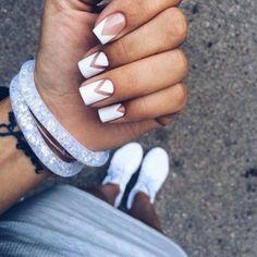 маникюр с негативным пространством, белые ногти, нейл арт, маникюр с гель-лаком, nail design, nail art, manicure