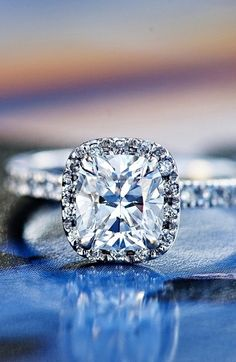 #Engagement #Ring #Ideas #BrideIdeas #Bride #Bridal #prestonbailey #WeddingPlanning Looking for more style, ideas and tips from Globally-celebrated designer #PrestonBailey? Visit us at www.prestonbailey.com