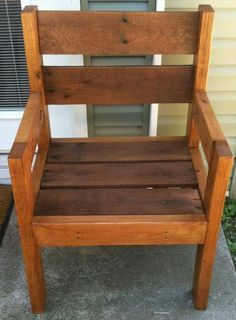 Are you looking for a best wooden chair design to meet the furniture requirements of your school then, this original wooden texture pallets chair appears beautiful and the best one for you.