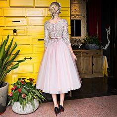 A-Linie Schmuck Tee-Länge Tüll Charmeuse Cocktailparty Kleid mit Perlenstickerei Spitze Schärpe / Band Pailletten durch Huaxirenjiao 2018 - $229.99