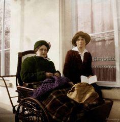 olga nikolaevna romanova   Olga with Anna Vyrubova by VelkokneznaMaria on deviantART