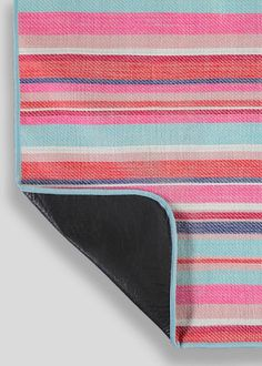 Pom Pom Tassel Woven Picnic Blanket (150cm x 120cm)