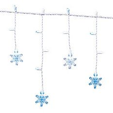 Beaded Snowflake Table Runner. I have this and get many ...