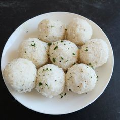 Resistant Starch Coconut Rice Balls in this recipe are easy to make and an easy way to have resistant starch rice. Add to your salads, sauces and stews. Mint Recipes, Healthy Recipes, Resistant Starch Foods, Stir Fry Kimchi, Healthy Starch, Starch Solution, Cooking With Coconut Oil, Gluten Free Grains, Rice Balls