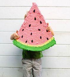 Een surprise maken? Wij hebben 12 toffe surprise ideeën voor je op een rij gezet. Wat vind je van deze meloen pinata?