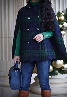 Take a look at the best winter Cape in the photos below and get ideas for your outfits! 23 Winter Fashion Trends- I want a cape exactly like that. Winter Outfits Women, Fall Outfits, Fashion Outfits, Womens Fashion, Fashion Trends, Fashion 2016, Preppy Winter Outfits, Hipster Outfits, Fashion Goth
