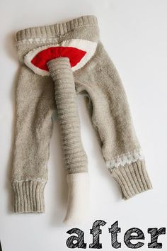 How To Make A Sock Monkey Costume – Homemade Ginger Sewing Toys, Baby Sewing, Sewing Clothes, Sock Monkey Costumes, Baby Halloween Costumes, Halloween Fun, Sock Monkey Baby, Toy Monkey, Old Sweater