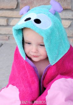 Butterfly Hooded Towel Tutorial for Baby and Toddlers {and preschoolers and beyond} by Crazy Little Projects Baby Sewing Projects, Sewing For Kids, Free Sewing, Sewing Tutorials, Diy For Kids, Sewing Patterns, Dress Patterns, Sewing Crafts, Hooded Towel Tutorial