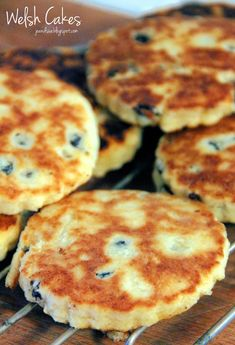 Sometimes the simplest recipes are the best. Take Welsh Cakes, for example. It just doesn't get much more basic and simple than Welsh. Welsh Recipes, Scottish Recipes, British Recipes, Baking Recipes, Cookie Recipes, Dessert Recipes, Tea Cakes, Food Cakes, Welsh Cookies Recipe