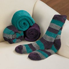 The softest your #feet will ever feel! These #socks are heaven. 450 stellar reviews can't be wrong. If you like coziness while you #sleep, give these a try. Sleep Smart | ZeezSleep.com