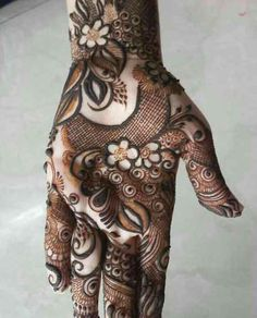 Latest Mehndi Designs For Engagement In 2020 Khafif Mehndi Design, Henna Art Designs, Mehndi Designs 2018, Modern Mehndi Designs, Dulhan Mehndi Designs, Wedding Mehndi Designs, Mehndi Design Pictures, Beautiful Mehndi Design, Mehndi Images