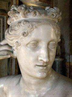 Antonio Canova (1757 - 1822)  statue of Pauline Borghese   detail