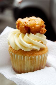 Chicken and Waffles cupcake.