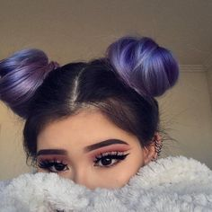 Hello, weekend ! @katiieepoo looks adorbz  and alluring with her vibrant space buns   and dramatic makeup✨ ! #foxybae #hairoftheday #buns