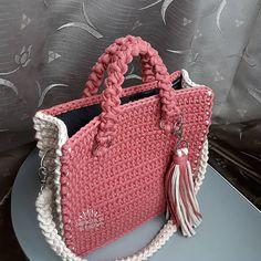 Quru gul ve krem renginin maraqli kombinasiyasi)) boyuk olcu canta #crochetbag Vereqleyin
