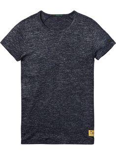 https://www.scotch-soda.com/it/it/uomo/t-shirt-e-polo/t-shirt-a-maniche-corte/t-shirt-in-jersey-melange/134088.html?dwvar_134088_color=Navy Melange