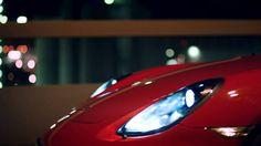 GTS. Tres letras que empleamos por primera vez en el año 1963 en el 904 GTS, un deportivo con motor central. Tres letras que, desde entonces, son el tema de conversación de entusiastas del automovilismo de competición, tanto dentro como fuera del circuito.  En la actualidad, son sinónimo de un plus de potencia y un equipamiento aún más deportivo. Revisado y perfeccionado, desde el diseño hasta el motor bóxer. Para más curva. En cada curva.  Purismo sin renunciar a nada: el nuevo Cayman GTS. Motor, Porsche, Style, Conversation Topics, Giving Up, First Time, Circuit, Sporty, Lyrics