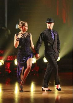 Candace Cameron Bure and Mark Ballas perform the Argentine Tango on week 7 of 'Dancing With The Stars' on April 28, 2014.