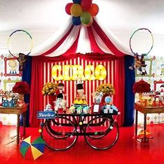 Festa Circo muito linda e alegre por @lorena_frufru. #kikidsparty Birthday Party Snacks, Kids Birthday Themes, Carnival Birthday Parties, Circus Birthday, Animal Birthday, First Birthday Parties, First Birthdays, Funny Birthday, Circus Party Decorations