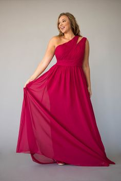Beautiful 58 Gorgeous One Shoulder Dresses Ideas - A Great Choice for Any Celebration , Berry Bridesmaid Dresses, Bridesmaid Duties, Affordable Bridesmaid Dresses, Jordan Dress, Evening Dresses, Formal Dresses, Types Of Dresses, Sexy Curves, Chiffon Dress