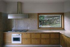 Duccio Malagamba Fotografia de Arquitectura. Casa 'Vieira de Castro' - Álvaro… Art And Architecture, Tile, Kitchen Cabinets, Interiors, House, Home Decor, Cuisine, Scallops, Architecture
