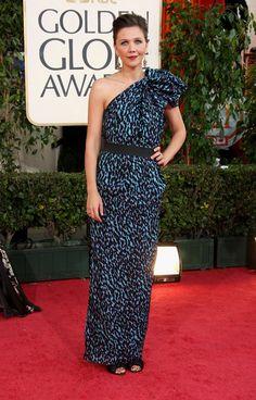 Pin for Later: Die glamourösesten Kleider vergangener Golden Globes Maggie Gyllenhaal in Lanvin bei den Golden Globes (2009)