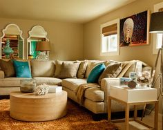 ❤❤tan, with teal, light teal, dark brown....maybe the buttons on pillows a yellow!!!❤❤❤