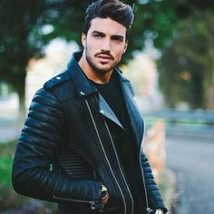 Leather biker jackets or normal Leather jackets Are a Must have In Every wardrobe