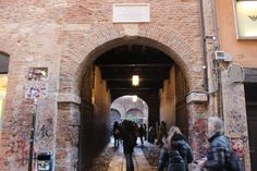 When I went to Italy last month for my winter holiday I decided to go to visit Juliet House in Verona.We did just a quick stop between Venice and Milan and I have to say it was not a bad idea at al…