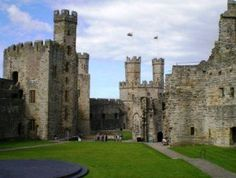 Visiting the Historic Castle of Caernarfon, North Wales by Jennifer Young - UNESCO World Heritage Site.