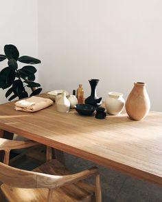 Abbey Ginns Home Design, Interior Design Inspiration, Room Inspiration, Photoshoot Inspiration, Chaise Vintage, Minimalist Decor, Minimalist Fashion, Interior Exterior, Cozy House