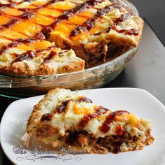 Whiskey Pulled Pork Shepherd's Pie with Cheddar Biscuit Crust Drink Recipes, Fall Recipes, Pie Recipes, Casserole Recipes, Healthy Recipes, Cooking Recipes, Yummy Recipes, Pulled Pork Pizza, Pulled Pork Recipes
