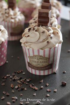 muffins et cupcakes Kinder Chocolate Cupcakes Tiramisu, Gravity Cake, Cheesecake, Cake & Co, Chocolate Cupcakes, Cupcake Cookies, Cupcake Recipes, Chocolates, Food Inspiration