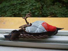 Hand made Bird  Сшила птичку, лапки из проволоки и пластики, крашенные акрилом