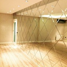WALL COATING Decorative Mirrors Decorative mirrors are accessories used as a good complement to decoration Dining Room Mirror Wall, Bedroom Wall, Luxury Interior, Interior Design, Entryway Decor, Living Room Decor, New Homes, Decoration, Home Decor