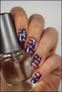 American flag 4th of July nailart #Nailart @JenniferW