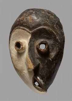 Democratic Republic of the CongoWESTERN PENDE MASK, Auktion 1081 Afrikanische und Ozeanische Kunst, Lot 154 African Masks, African Art, Congo, Britisches Museum, Art Ancien, Statues, Masks Art, Cultural, Ocean Art