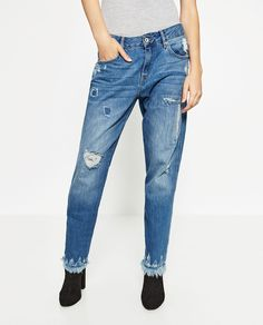 Image 2 of RELAX FIT MID-RISE JEANS from Zara