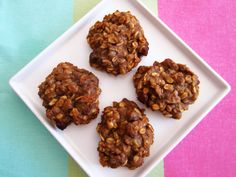 Healthy Breakfast Cookies - Vegan and Gluten-Free {NO Flour, NO sugar, NO oil!) Just bananas, applesauce, peanut butter, maple syrup, vanilla extract, cinnamon, oats, walnuts and raisins!