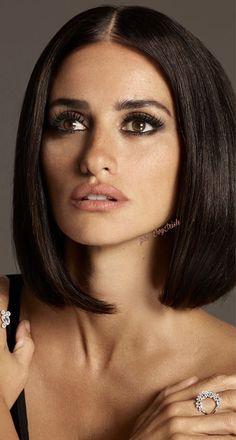 Beauty Makeup, Hair Makeup, Hair Beauty, Penelope Cruz Makeup, Makeup For Round Eyes, Penelope Cruze, Spanish Actress, Casual Hairstyles, Great Hair