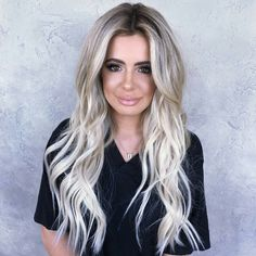 Have a look at these fabulous blonde hair colors such as; Ash Blonde, Honey Blonde, Platinum, Golden Blonde, Balayage and more. This post shares some popular and timeless blonde hair color ideas and hairstyles from ash blonde to honey blond and balayage. Blonde Ombre Hair, Honey Blonde Hair, Ombre Hair Color, Hair Color Dark, Blonde Balayage, Ash Blonde, Golden Blonde, Bright Blonde, White Blonde